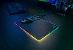 Razer presenta la Firefly V2 - la alfombrilla RGB original regresa con más iluminación que nunca